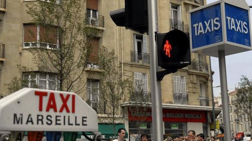 Marseille : le fils du ténor italien victime de menaces homophobes