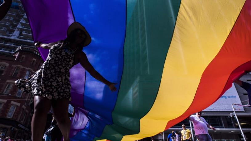 Une subvention à Pride Toronto pour aider à améliorer la sécurité des communautés LGBT+