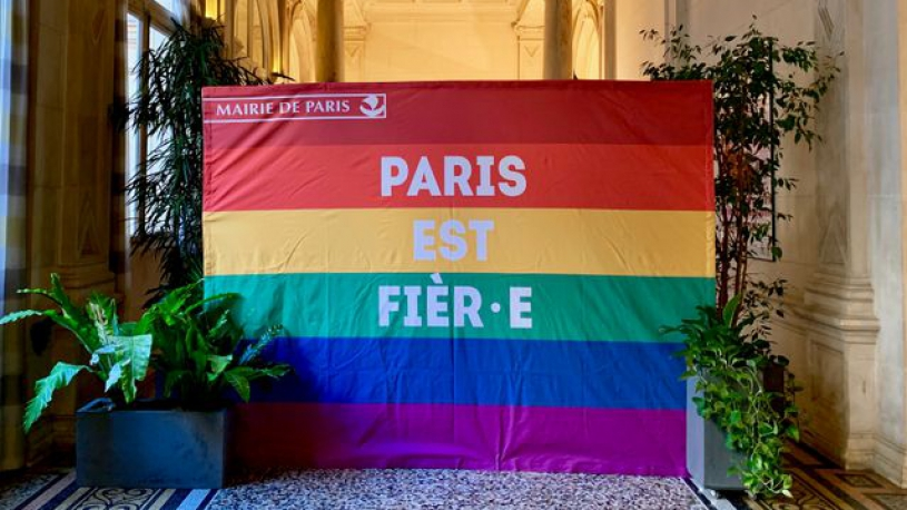 "Paris veut rester ""LGBT friendly"""
