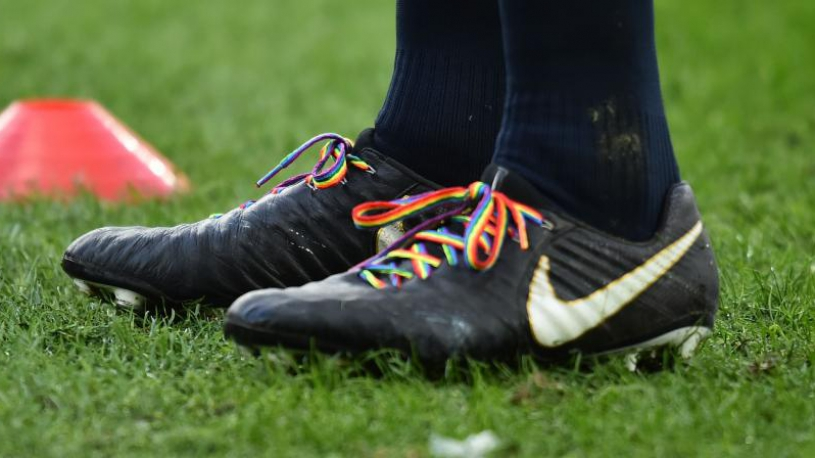 """En soutien à Gareth Thomas, le XV de France portera samedi des lacets arc-en-ciel : """"une réponse à la hauteur"""""""