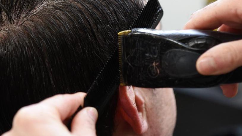 """Traiter un coiffeur de """"PD"""" est bien une insulte homophobe"""