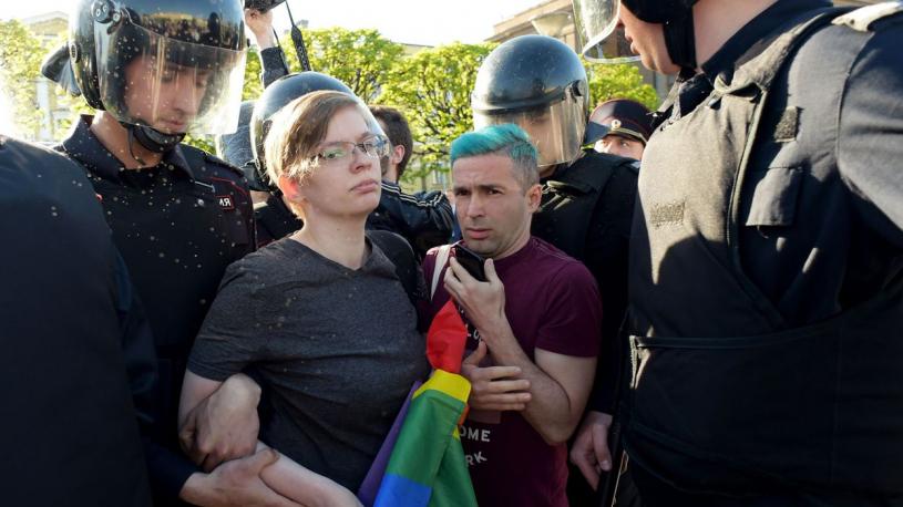 Russie : Quatre militants LGBT arrêtés lors d'une manifestation à Saint-Pétersbourg