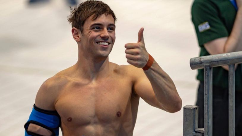Le plongeur Tom Daley appelle les footballeurs gays à assumer leur homosexualité