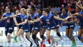 Le Bar'Ouf Euro Feminin Handball France - Suede à Paris le sam.  8 décembre 2018 de 15h00 à 18h00 (After-Work Gay Friendly, Lesbienne)