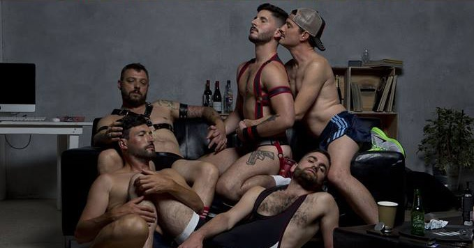 5 Guys Chillin' in Paris le Di 17. Dezember, 2019 19.30 bis 20.50 (Theater Gay, Hetero Friendly)