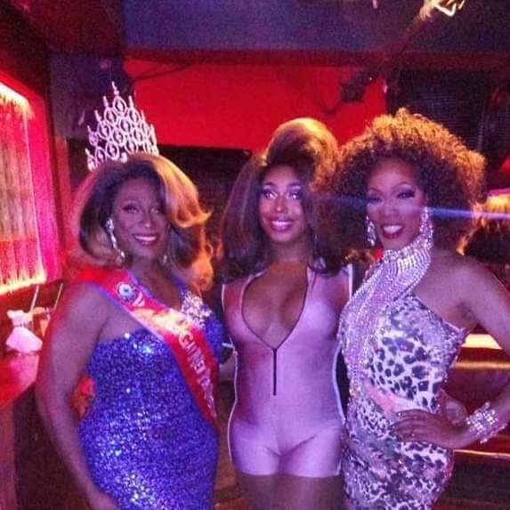 Fundraiser for the Crowns! a New York le dom  3 novembre 2019 16:00-17:30 (Raccolta di fondi Gay)