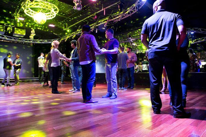 All Gender Latin Dance Lessons em San Diego le seg, 16 dezembro 2019 19:45-21:45 (After-Work Gay)