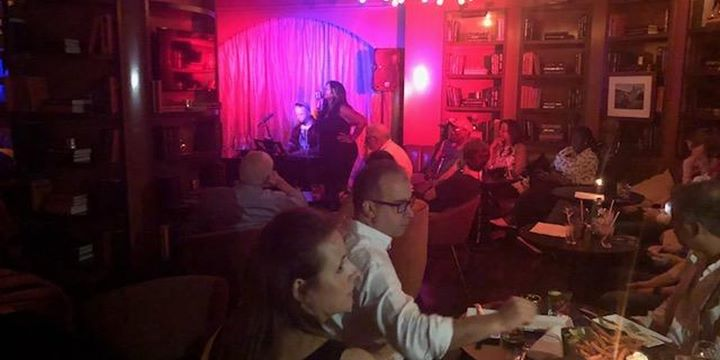 The Cabaret South Beach Piano Bar! Live Music, No Cover Charge! à Miami le jeu.  5 septembre 2019 de 20h00 à 01h00 (Spectacle Gay Friendly)