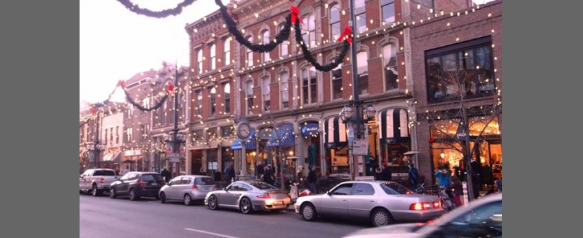 DGMC Decorates Larimer Square